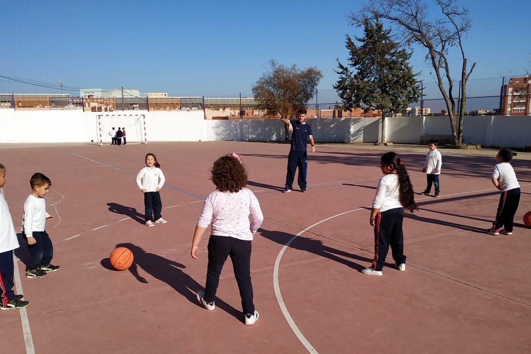 Niños de Jesuitinas Virgen de la Paz (Almería) disfrutando de las actividades extraescolares