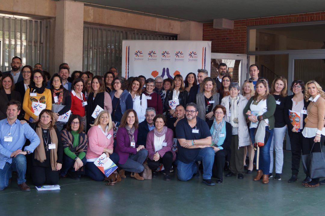 Foto de familia de los participantes en el I Encuentro de AMPAS y Directivos de Jesuitinas